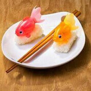 杏鲍菇黄焖鸡翅的做法_杏鲍菇黄焖鸡翅怎么做_心清似水淡若云的菜谱_美食天下